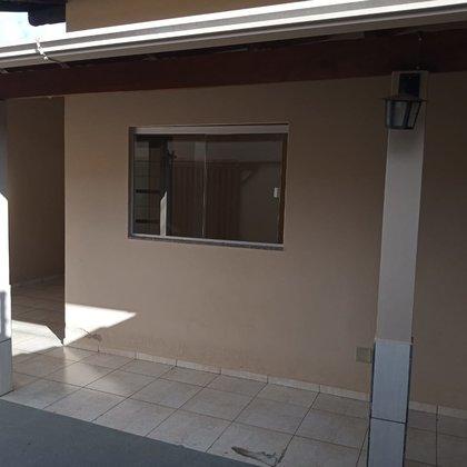 Vende-se casa no Villa Silvéria - Araxá MG