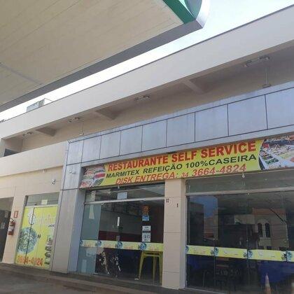 Aluga-se salas comerciais no Posto Rage - Rua Belo Horizonte, Centro - Araxá MG
