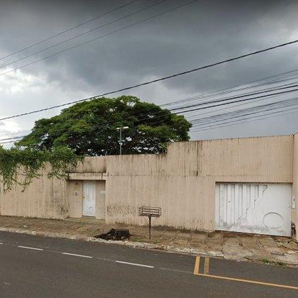 Vende-se casa na Av. Terêncio Pereira, Santo Antônio - Araxá MG
