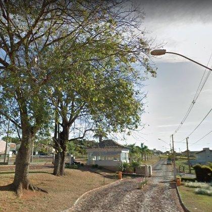 Vende-se terreno de 825m² no Condomínio Riviera do Lago - Araxá MG