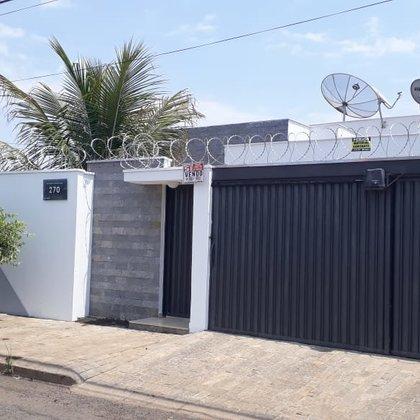 Vende-se casa no Bairro Mangabeiras